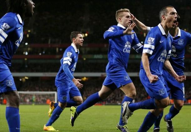 Everton Ingin Gerrard Deulofou Bertahan Setahun Lagi