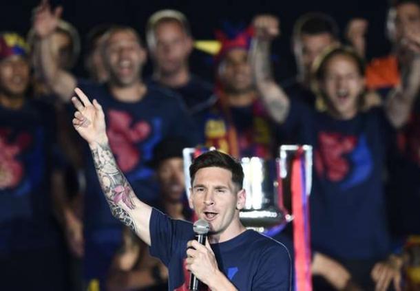 Messi : Posisi Alves Akan Aman Dengan Datangnya Vidal